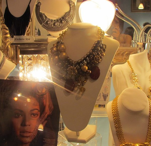 Atlanta Haute Spot: Seven 74 Accessories