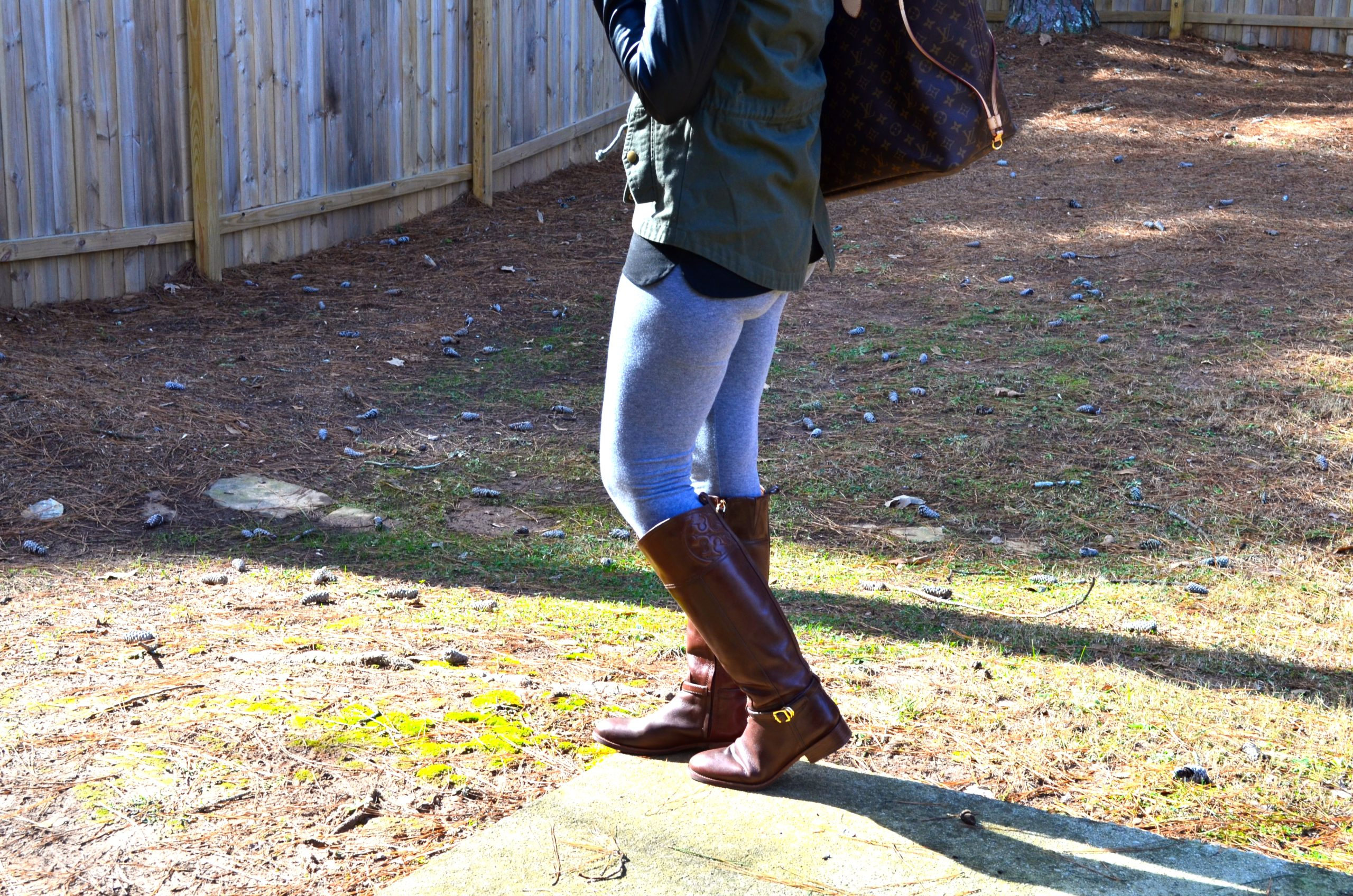 {OOTD} Mommy on the Go